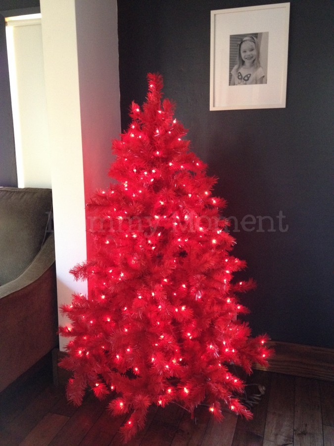 Red Christmas Tree : Mommy Moment