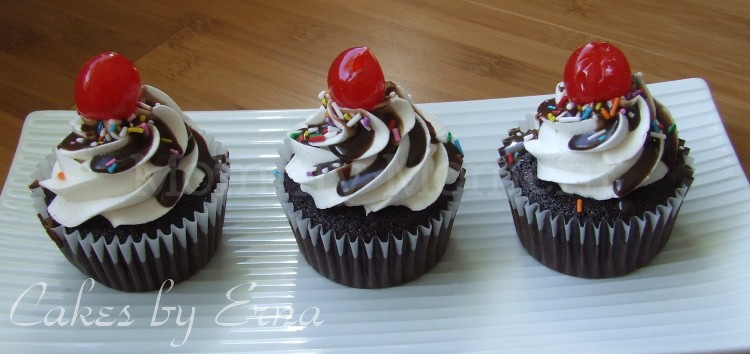 National Cupcake Day, sundae cupcakes : Mommy Moment