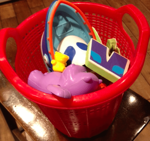 Minimize Monday ~ Tub Toys {Linky}