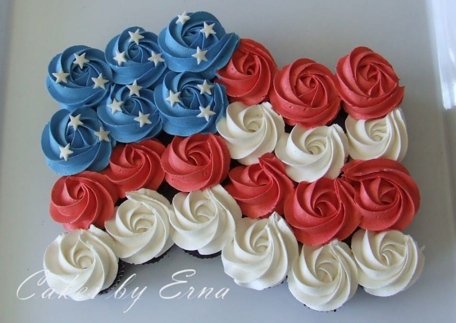 Cupcake Decorating Ideas For 4th Of July : 4th of July Cupcakes - Mommy Moment
