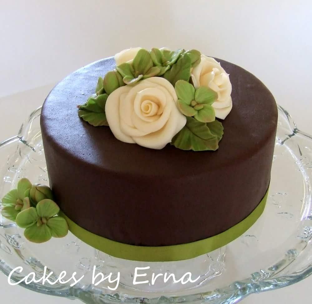 Roses and Hydrangeas Cake