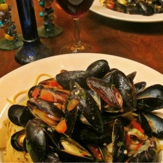 MUSSELS IN WHITE WINE RECIPE FOR DATE NIGHT AT HOME