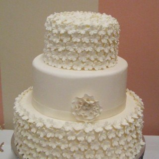 Beautiful White Flower Wedding Cake #CakesbyErna