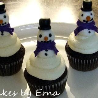 Snowman Cupcakes #CakesbyErna