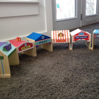 Community Buildings ~ A Guidecraft Review #Giveaway
