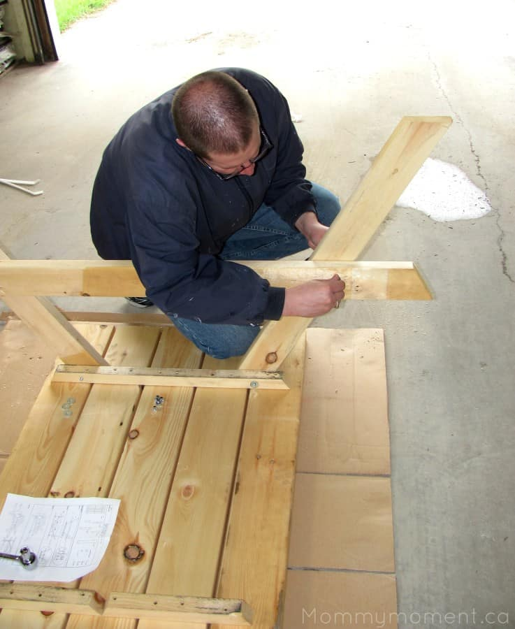 building picnic table