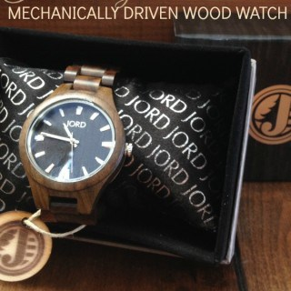 The world's first mechanically driven wood watches (giveaway)