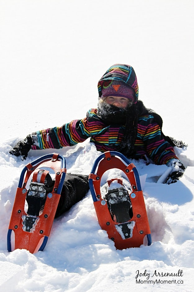 child-snowshoeing Manitoba (MommyMoment.ca)