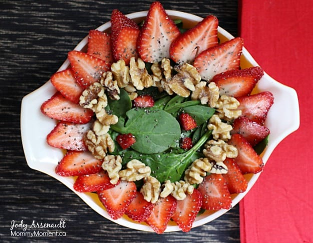 strawberry-salad on MommyMoment.ca