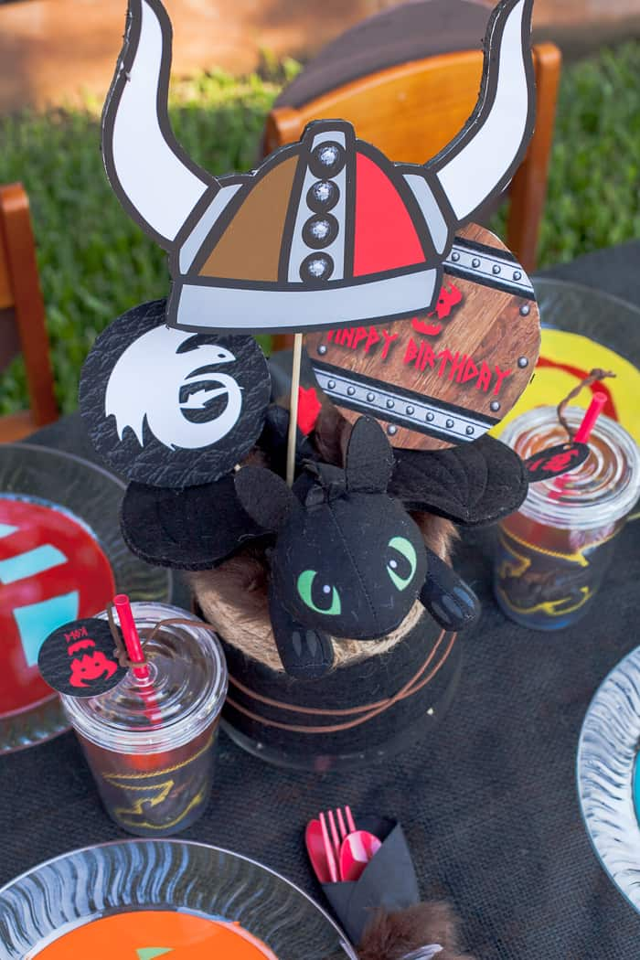 how-to-train-your-dragon-party-centerpiece-toothless
