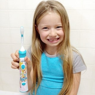 This girl has new adult teeth and a new Philips Sonicare toothbrush! #SonicareSmile