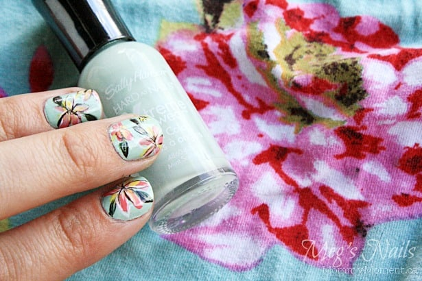 Floral Nail Art on Mommy Moment