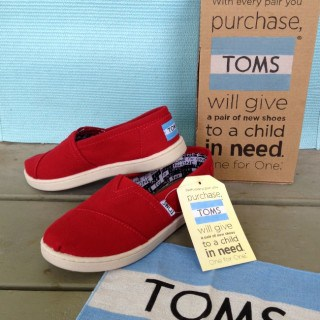 Back to school with TOMS #giveaway