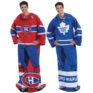Keep Warm with the NHL Player Uniform Comfy Throw from Avon! #31DaysOfGifts #giveaway {CAN}
