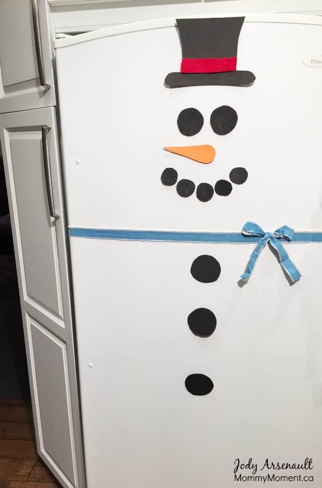 Snowman Fridge (an easy Elf on the Shelf idea) - Mommy Moment