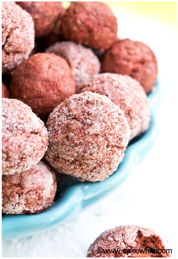 sugar-free-red-velvet-crinkle-cookies-1