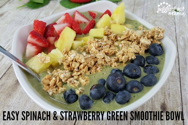 EASY-SPINACH-STRAWBERRY-GREEN-SMOOTHIE-BOWL