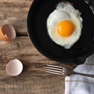 SUNNY SIDE UP EGG IN CAST IRON