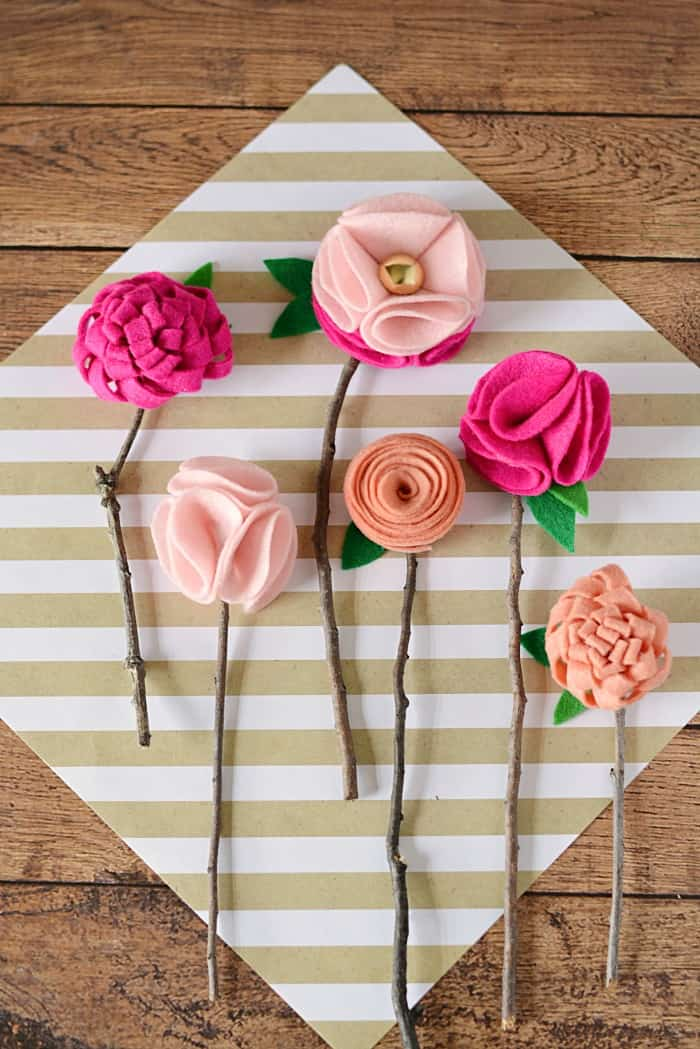 Diy No Sew Felt Flowers With Twigs Mommy Moment