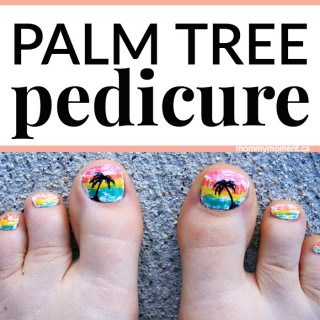 PALM TREE PEDICURE PERFECT FOR SUMMER