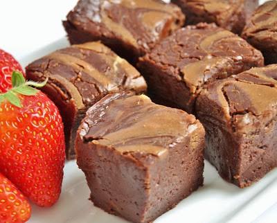 fudge with strawberries 3
