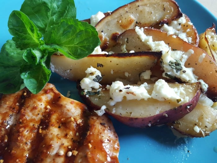 greek-feta-potato-wedges