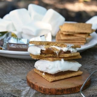 These CARAMEL CAMPFIRE SMORES will leave you wanting some more :)