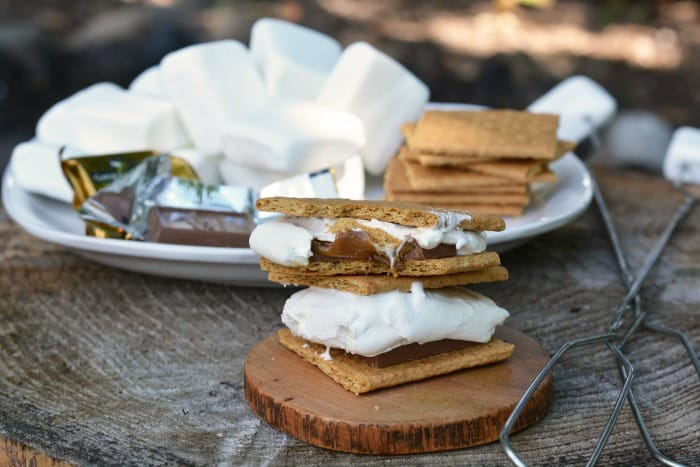 how to make s mores on a campfire