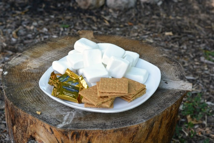These CARAMEL CAMPFIRE S'MORES will leave you wanting some more :)