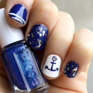 SUMMER NAUTICAL NAIL ART DESIGN