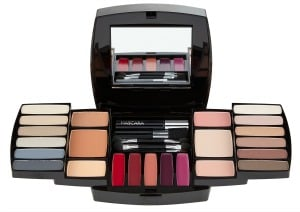 quo-ultimate-beauty-eye-lip-cheek-collection-small