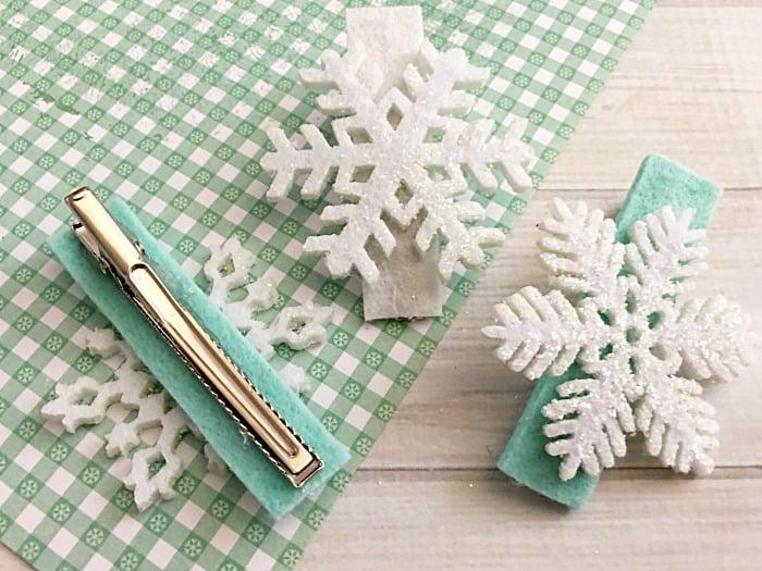 DIY WINTER SNOWFLAKE HAIR CLIPS
