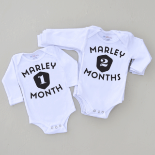 HI LITTLE ONE PERSONALIZED ONESIE SETS #31DaysOfGifts