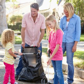 HOW VOLUNTEERING AS A FAMILY HELPS BUILD CHARACTER