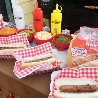 DIY HOT DOG BAR FOR KIDS