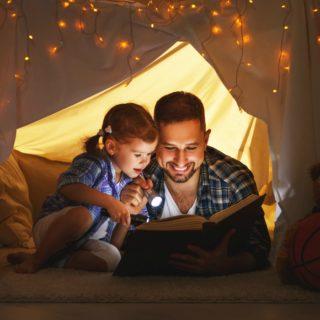 30 WAYS TO KEEP KIDS BUSY ON RAINY DAYS