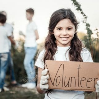 THE BENEFITS OF VOLUNTEERING FOR TEENS