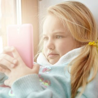 SHOULD YOUR KIDS HAVE A CELL PHONE?
