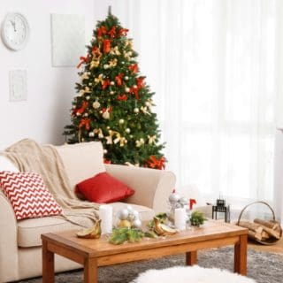 HOW TO ORGANIZE YOUR CHRISTMAS HOME DECOR AFTER THE HOLIDAYS