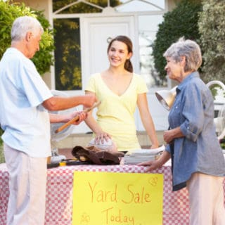HOW TO ORGANIZE COMMUNITY GARAGE SALES